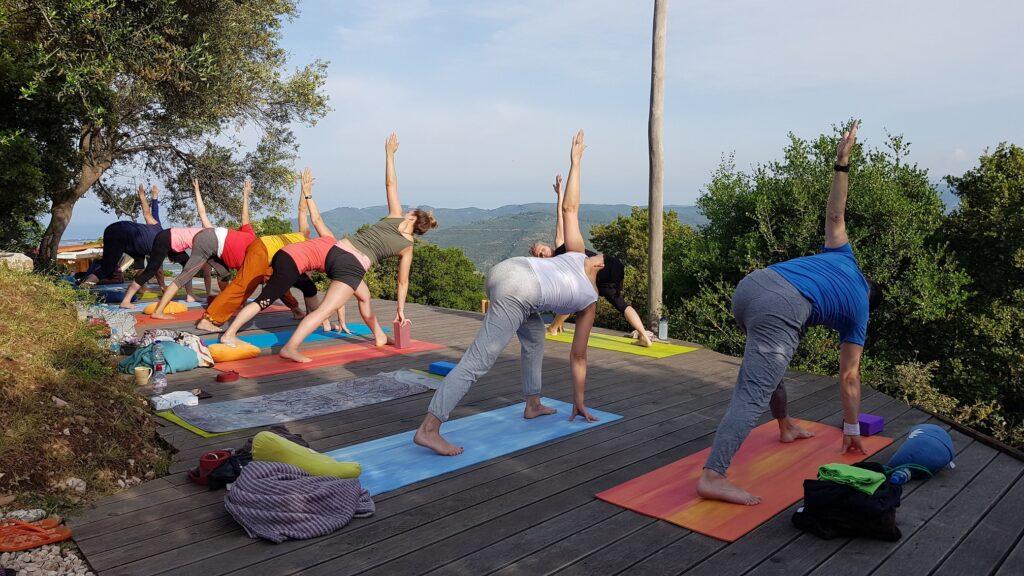 Yoga in der Lodge